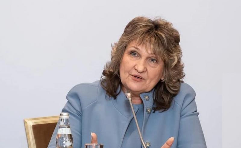 Президент АПРФД РК Марина Дурманова обратилась к провизорам и фармацевтам